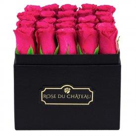 Różowe róże w Czarnym Kwadratowym Boxie