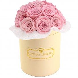 Bladoróżowe Wieczne Róże Bouquet w Brzoskwiniowym Boxie