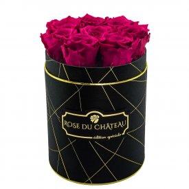 Różowe Wieczne Róże w Czarnym Małym Industrialnym Boxie