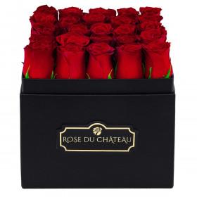 Czerwone Róże w Czarnym Kwadratowym Boxie