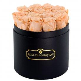 Roses Éternelles Herbées Dans Une Flowerbox Ronde Noire