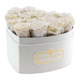Bílé věčné růže v bílém boxu heart