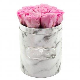 Zartrosafarbene Ewige Rosen in weißer marmorierter Rundbox Small
